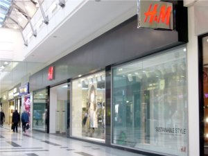 H & M has been opened in Stirling Thistle Shopping Centre
