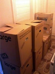 Fertig zum Transport, der erste Teil meiner Kartons steht im Flur alle anderen im Schlafzimmer